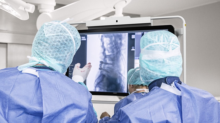 How a Hybrid OR can improve minimally invasive spine surgery